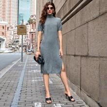 Pullover Kleid mit Rollkragen und Schlitz