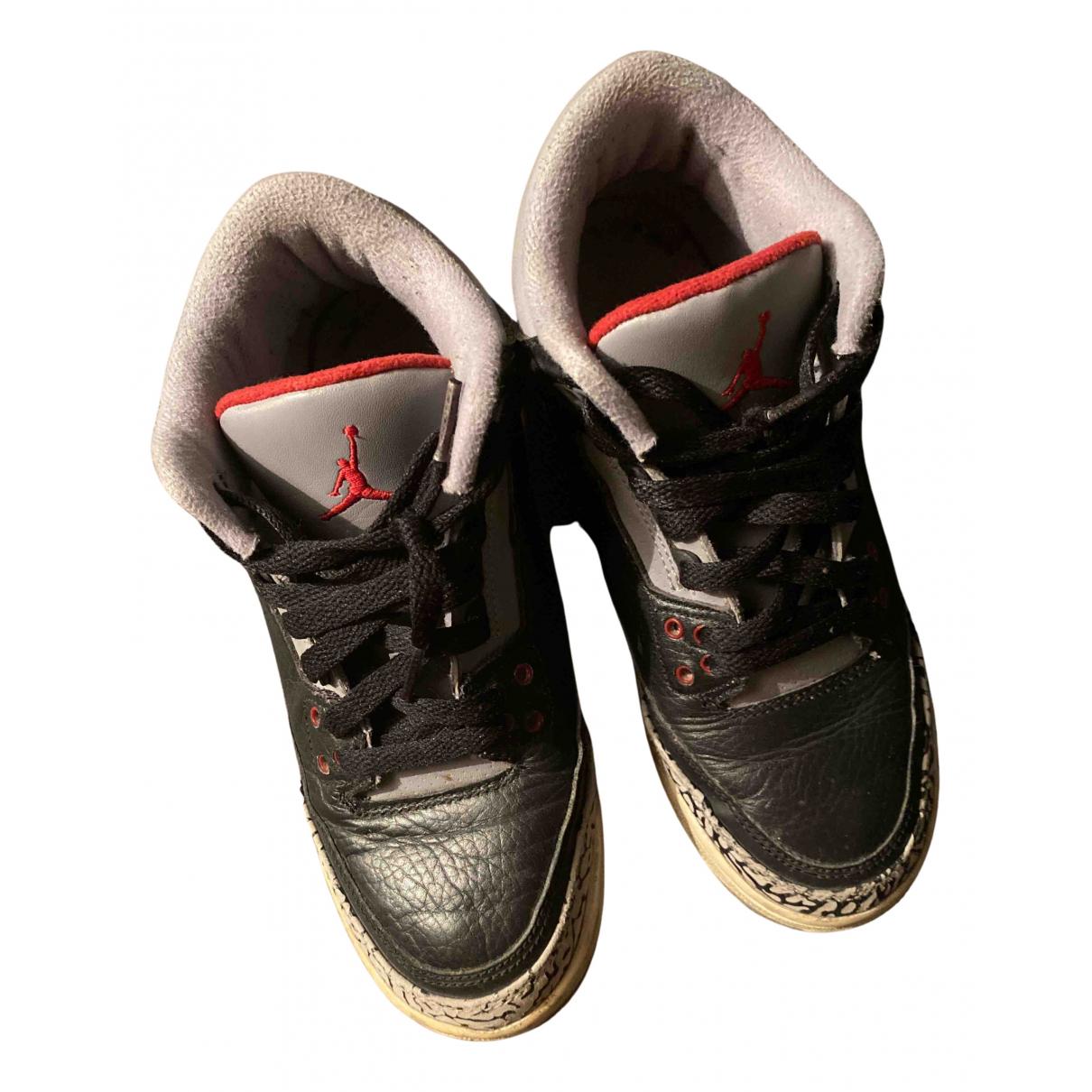Jordan Air Jordan 3 Sneakers in  Schwarz Leder