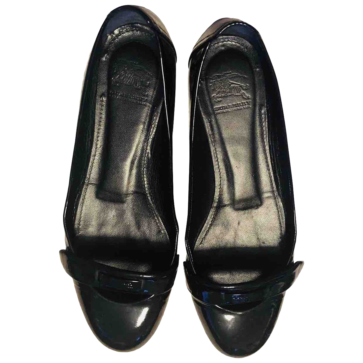 Burberry \N Ballerinas in  Schwarz Lackleder