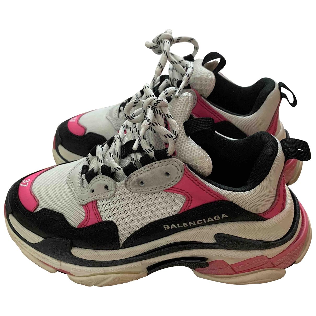 Balenciaga Triple S Sneakers in  Rosa Leinen