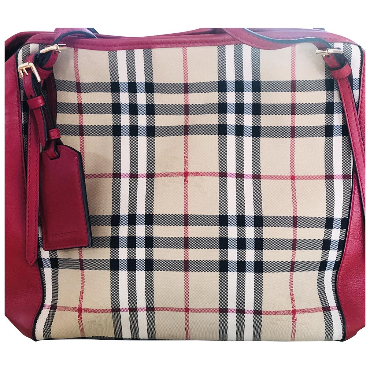 Burberry \N Handtasche in  Rot Leinen