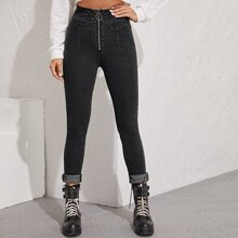 Schmale Jeans mit O Ring Reissverschluss