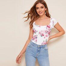 T-Shirt mit Blumen Muster vorn und quadratischem Ausschnitt