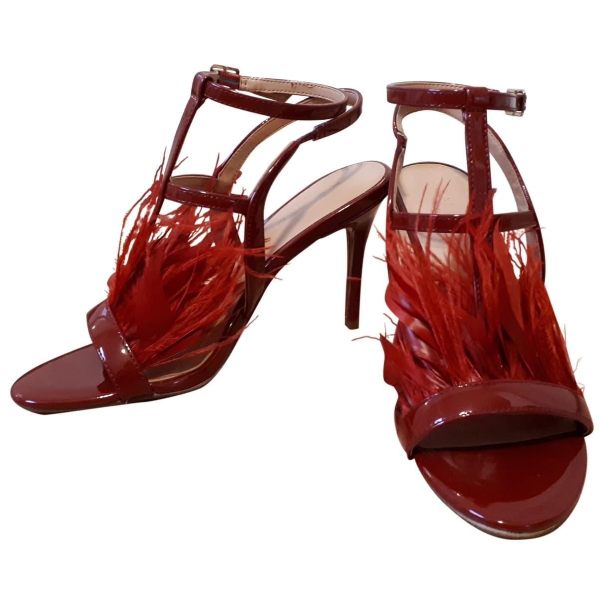 Halston Heritage \N Sandalen in  Rot Kunststoff