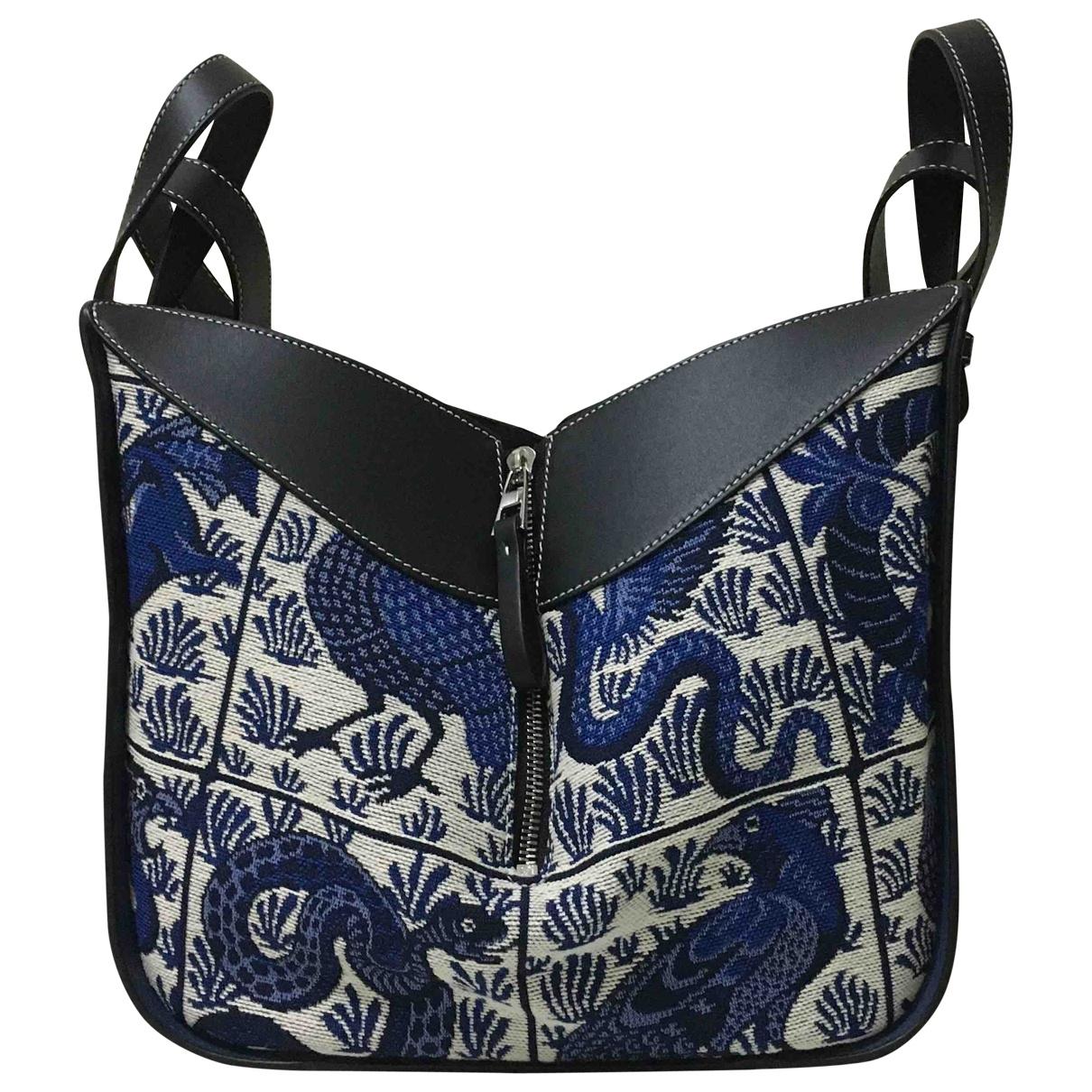 Loewe Hammock Handtasche in  Blau Leder