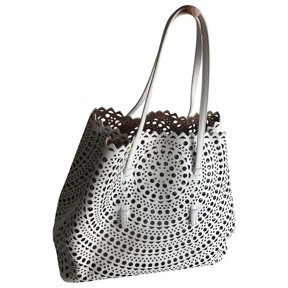 Alaia \N Handtasche in  Weiss Leder
