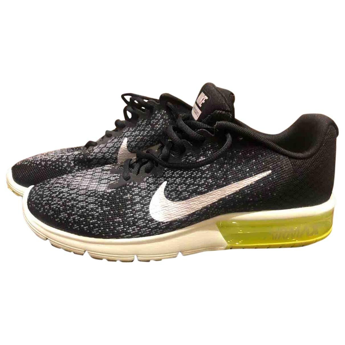 Nike Air Max  Black Cloth Trainers for Men 42.5 EU