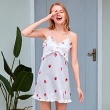 PJM Cami Nachtkleid mit Rueschen, Erdbeere Muster und Schlitz