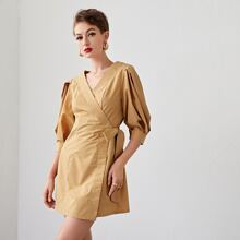 Kleid mit V Ausschnitt, Wickel Design, seitlichen Knoten und Laternenaermeln