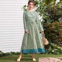 Ditsy Floral Contrast Schiffy Flounce Sleeve A-line Dress