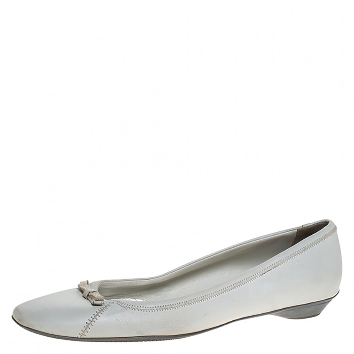 Prada \N White Leather Flats for Women 8.5 US