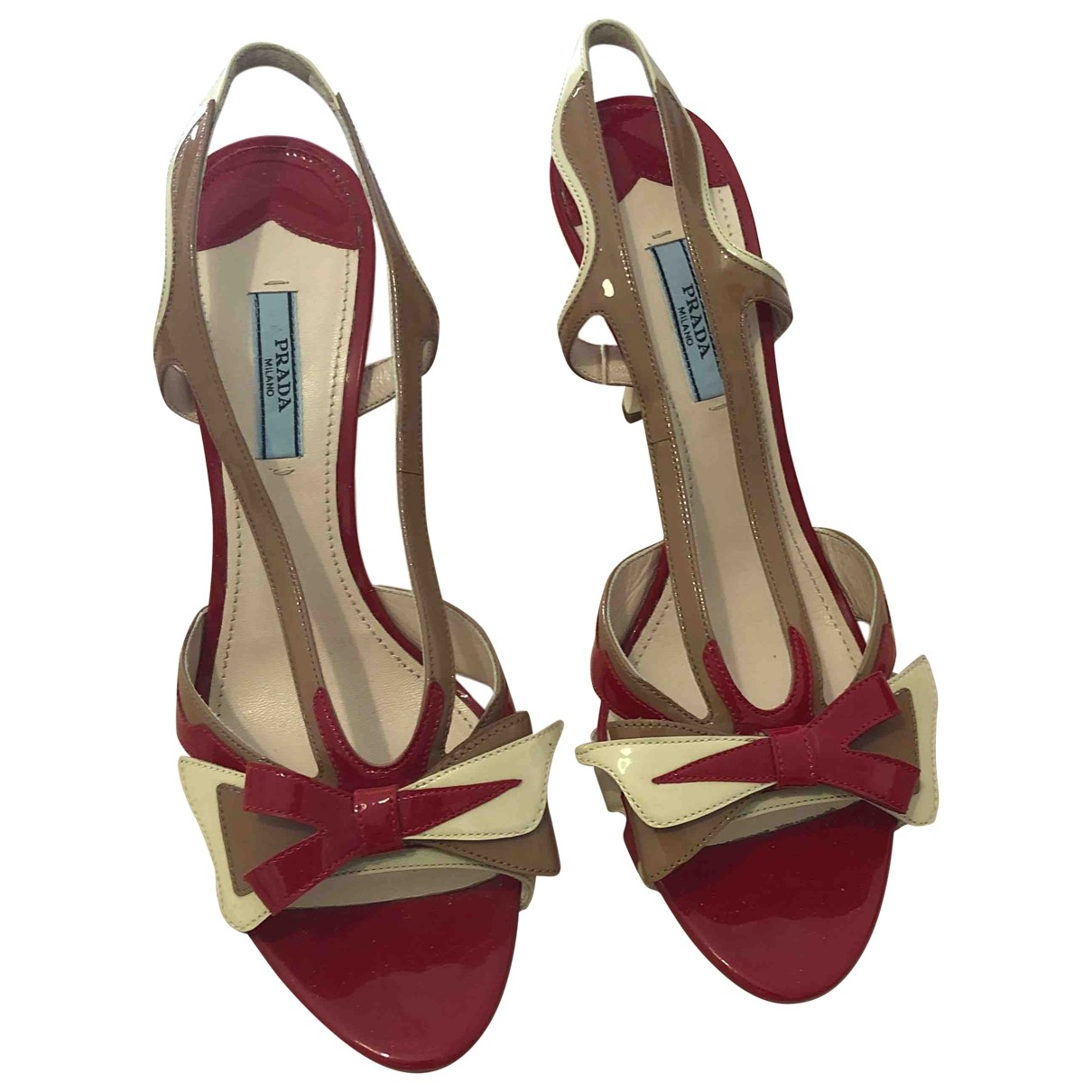 Prada \N Sandalen in  Rot Fell