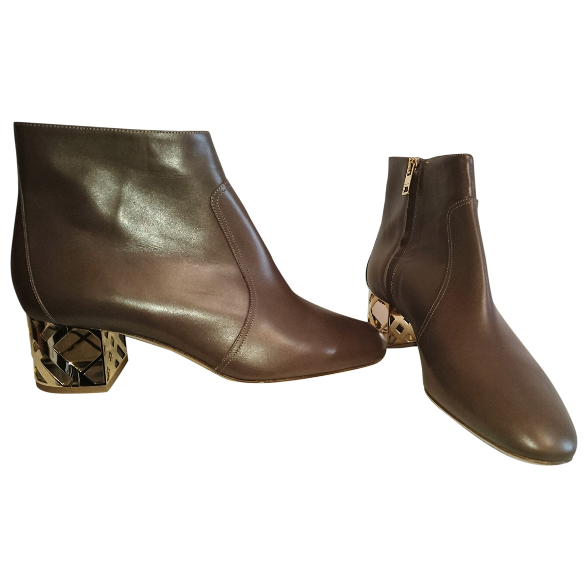 Burberry \N Brown Leather Ankle boots for Women 39 EU
