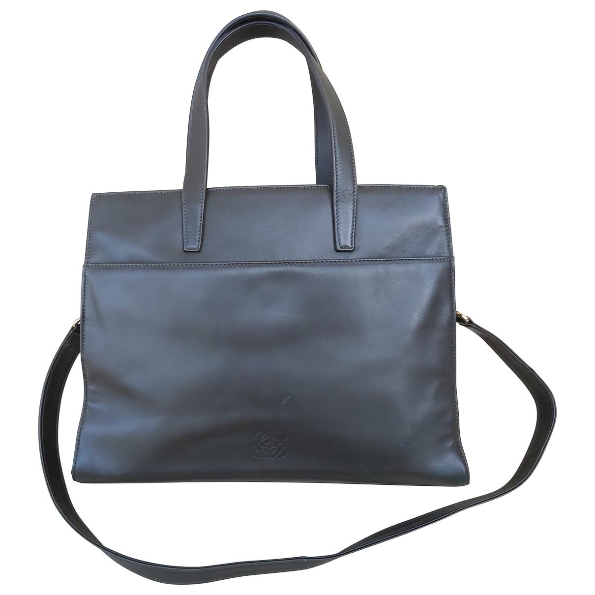 Loewe \N Handtasche in  Gruen Leder