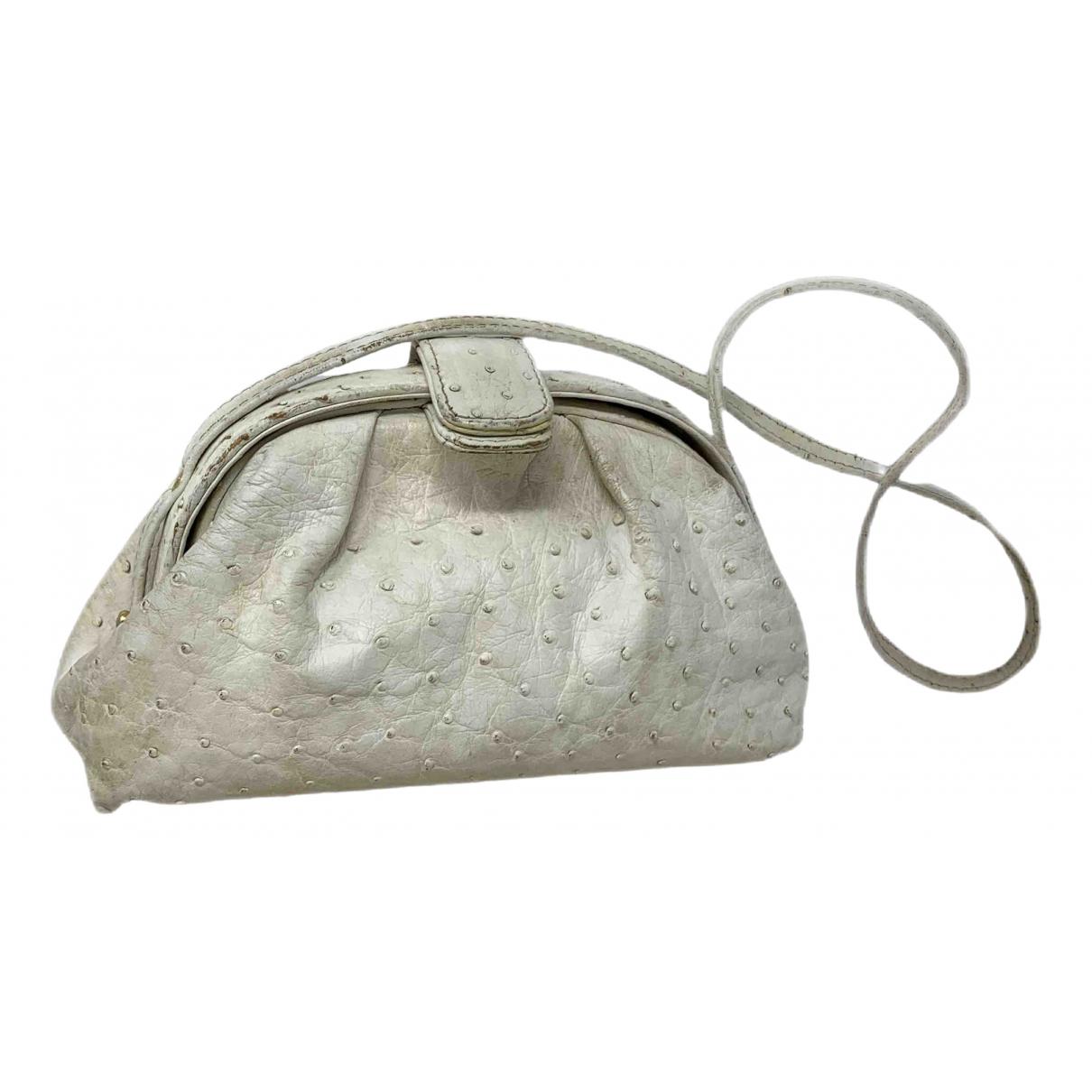 Chanel \N Handtasche in  Weiss Vogelstrauss