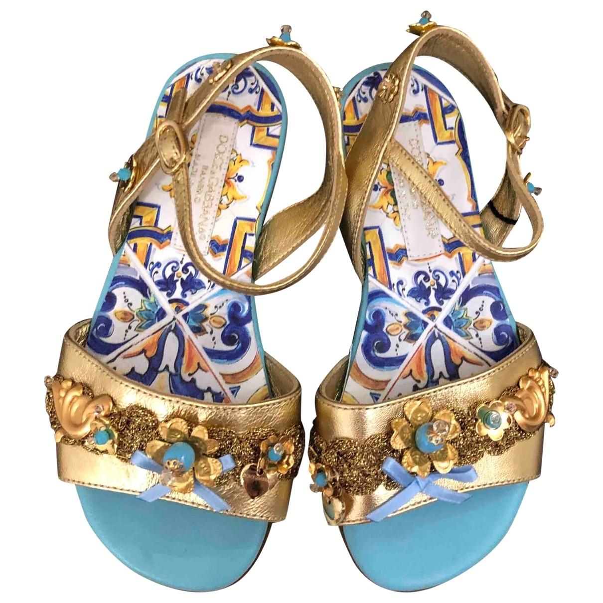 Dolce & Gabbana \N Sandalen in  Bunt Leder