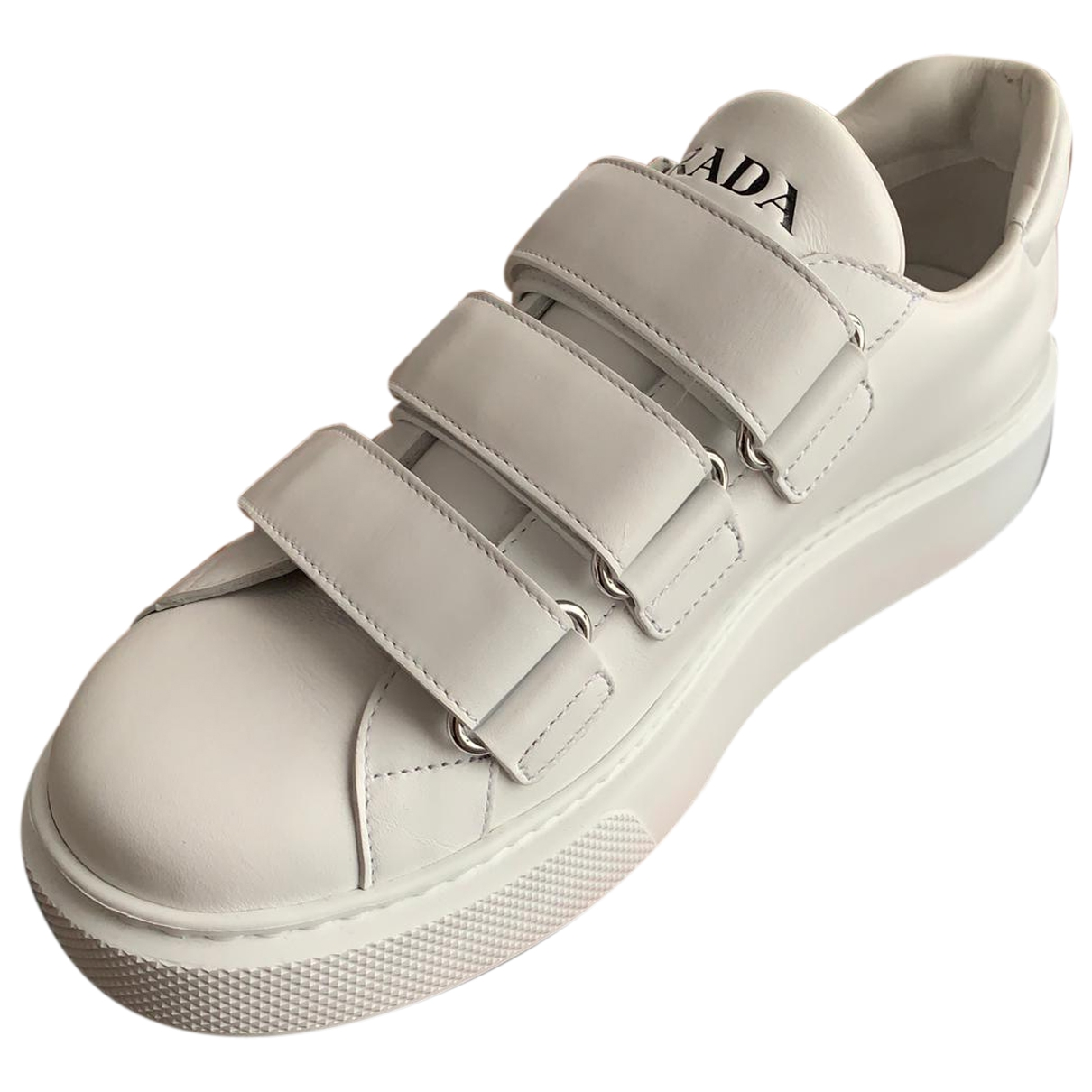 Prada \N Sneakers in  Weiss Leder