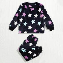 Conjunto de pijama con patron de estrella