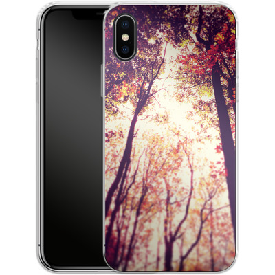 Apple iPhone X Silikon Handyhuelle - Above and Beyond von Joy StClaire