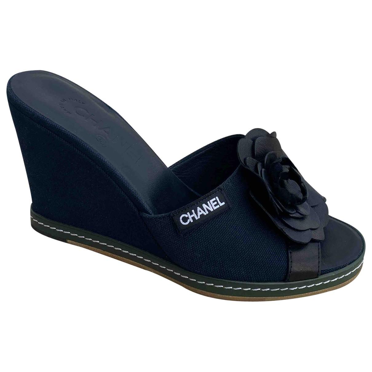 Chanel \N Clogs in  Schwarz Leinen