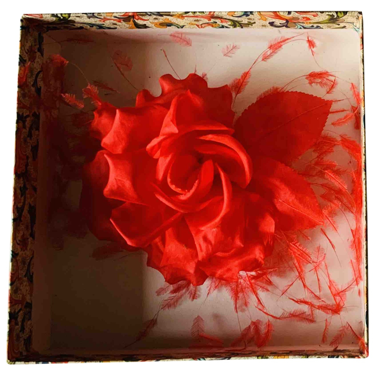 Non Signé / Unsigned N Red Home decor for Life & Living N