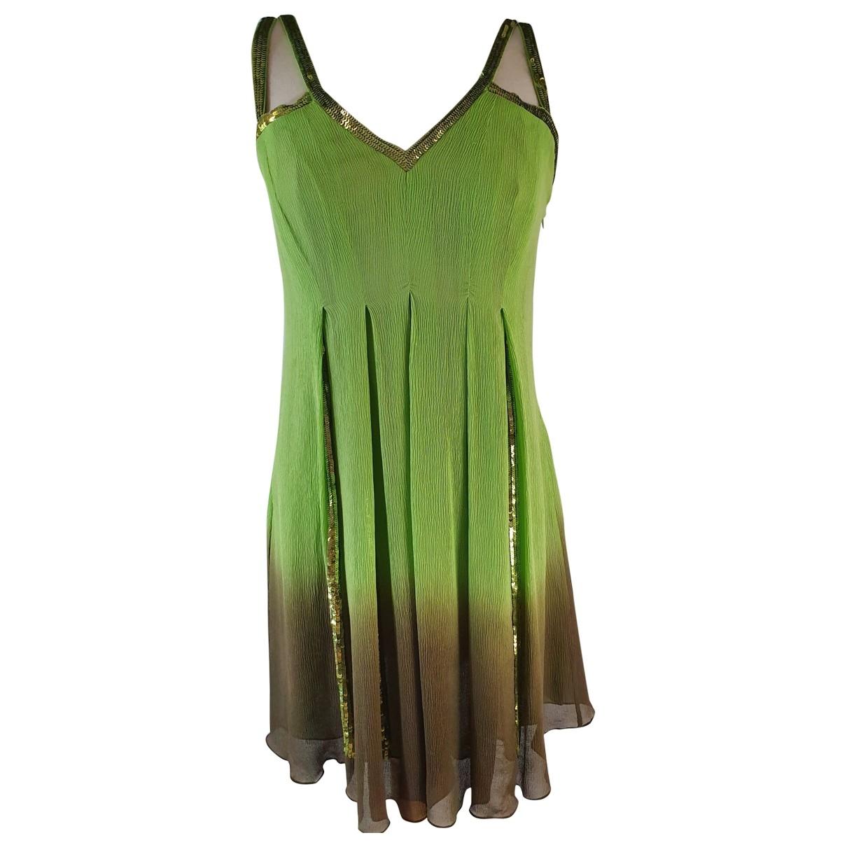Versace \N Kleid in  Gruen Seide