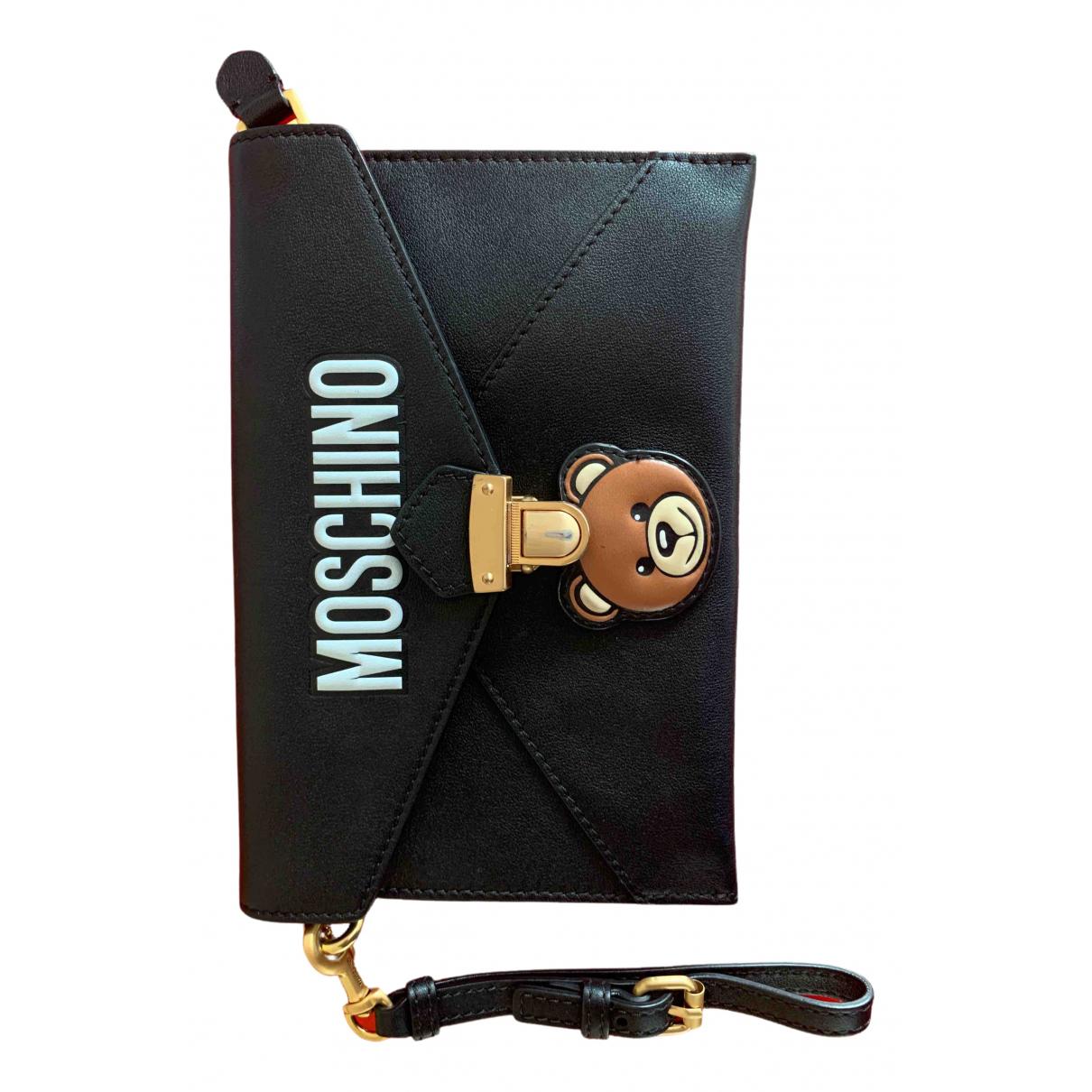 Moschino \N Clutch in  Schwarz Leder