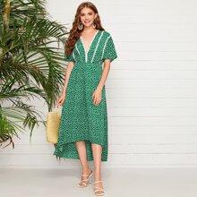 Kleid mit Spitzenbesatz und Bluemchen Muster