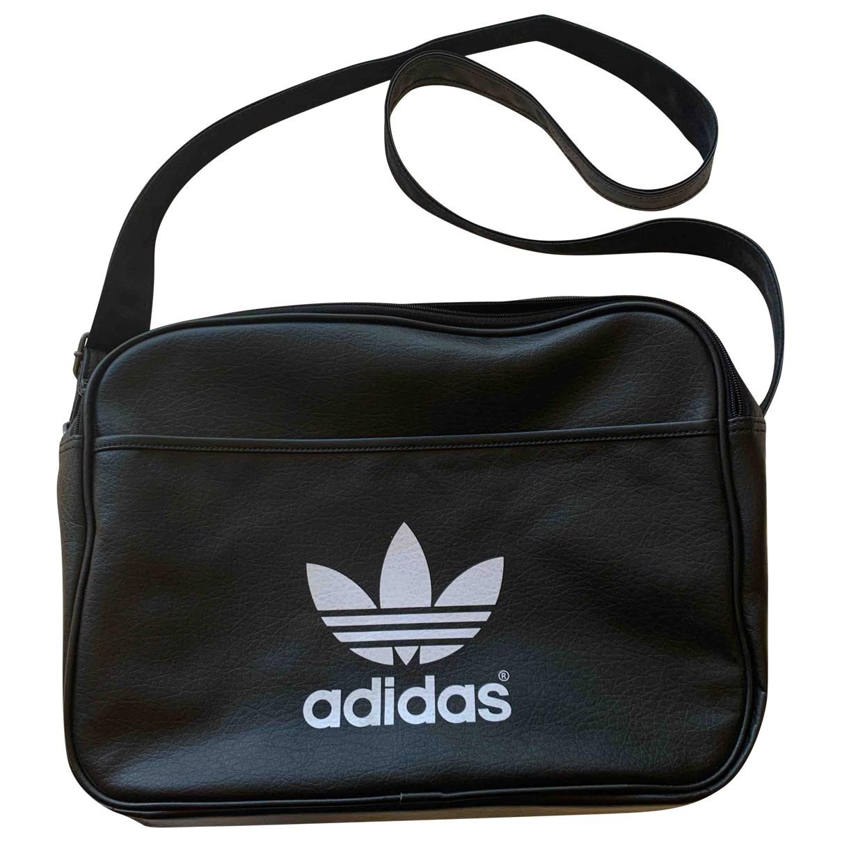 Adidas \N Taschen in  Schwarz Synthetik