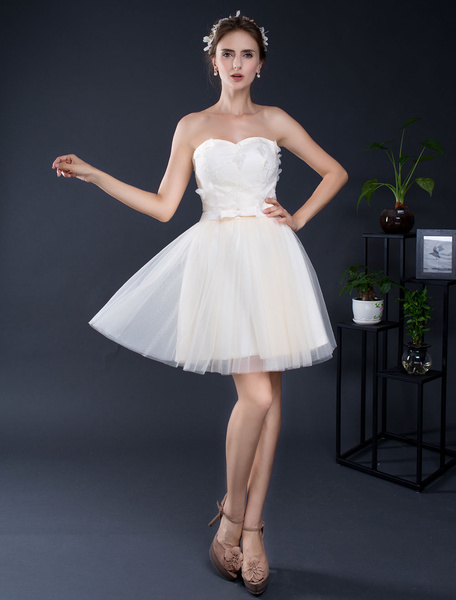 Milanoo Strapless Mini Wedding Dress Lace Applique Sweetheart Short Bridal Dress A-line Backless Illusion Homecoming Dress