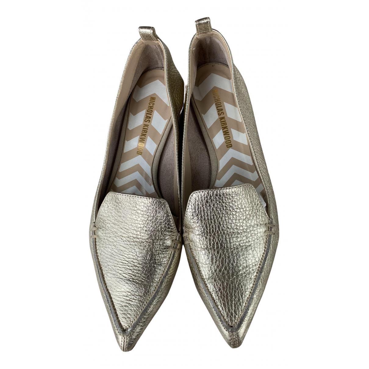 Nicholas Kirkwood \N Ballerinas in  Gold Leder
