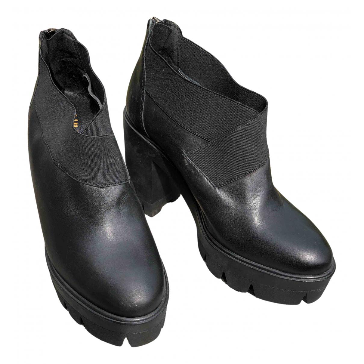 Ovye \N Pumps in  Schwarz Leder