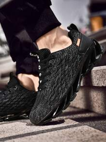 Men Fish Scale Design Lace-up Front Sneakers