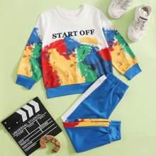 Sudadera con estampado de letra de color combinado con joggers