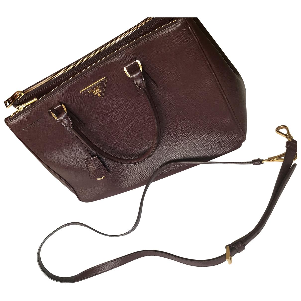 Prada Galleria Burgundy Leather handbag for Women \N