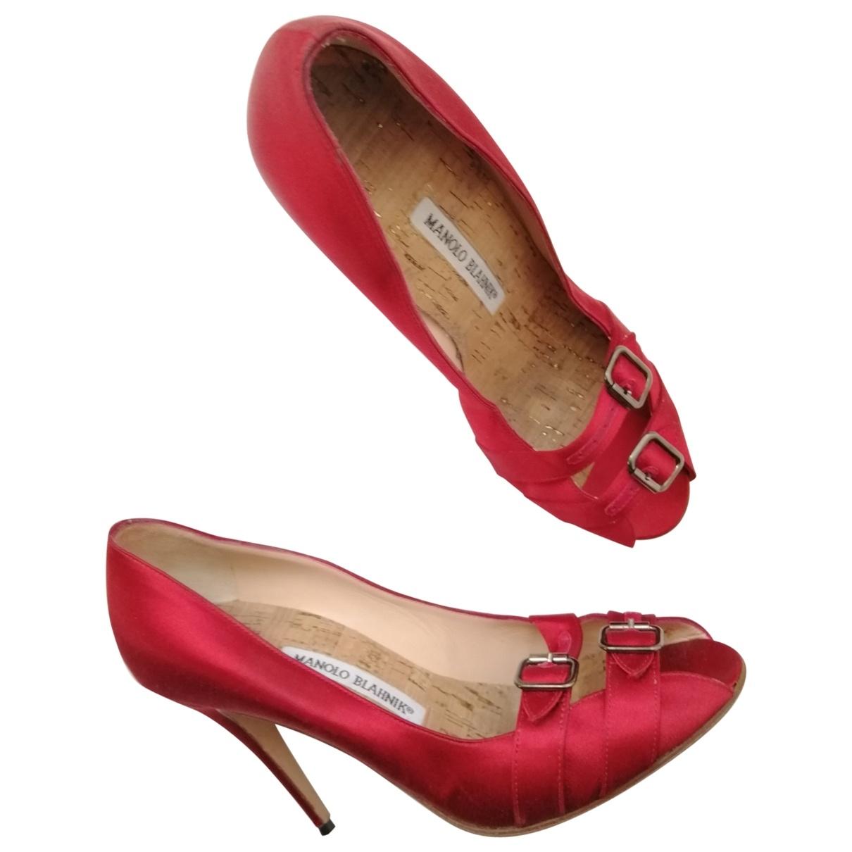 Manolo Blahnik \N Red Cloth Heels for Women 39 EU
