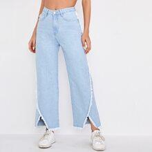 Jeans mit leichter Waschung, Schlitz, ungesaeumtem Saum und breitem Beinschnitt