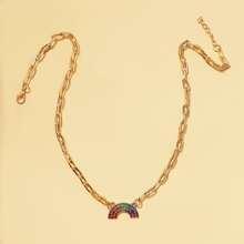 Halskette mit Regenbogen Dekor und Kette