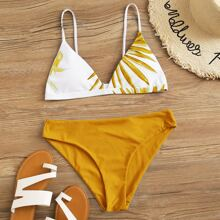 Dreieckiger Bikini Badeanzug mit tropischem Muster