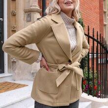Mantel mit einreihiger Knopfleiste, Taschen Flicken und Guertel