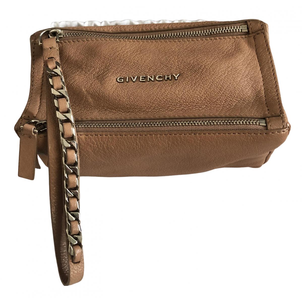 Givenchy Pandora Clutch in Leder