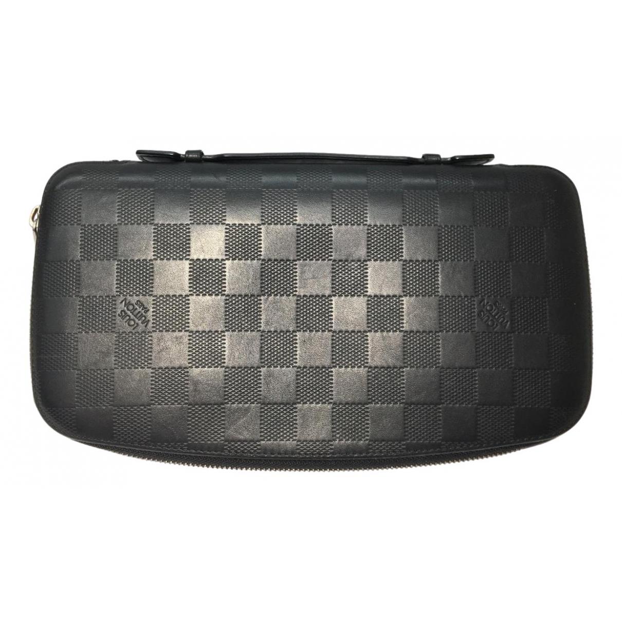 Louis Vuitton Zippy XL Black Leather Small bag, wallet & cases for Men \N