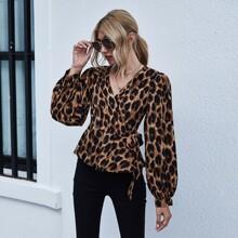 Bluse mit Leopard Muster, Bischofaermeln und seitlichen Knoten