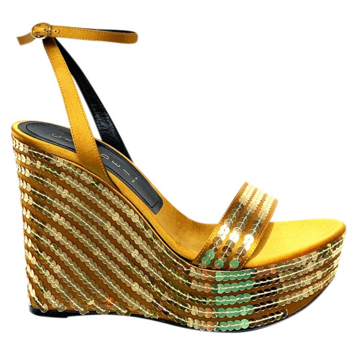 Casadei \N Sandalen in  Gold Mit Pailletten