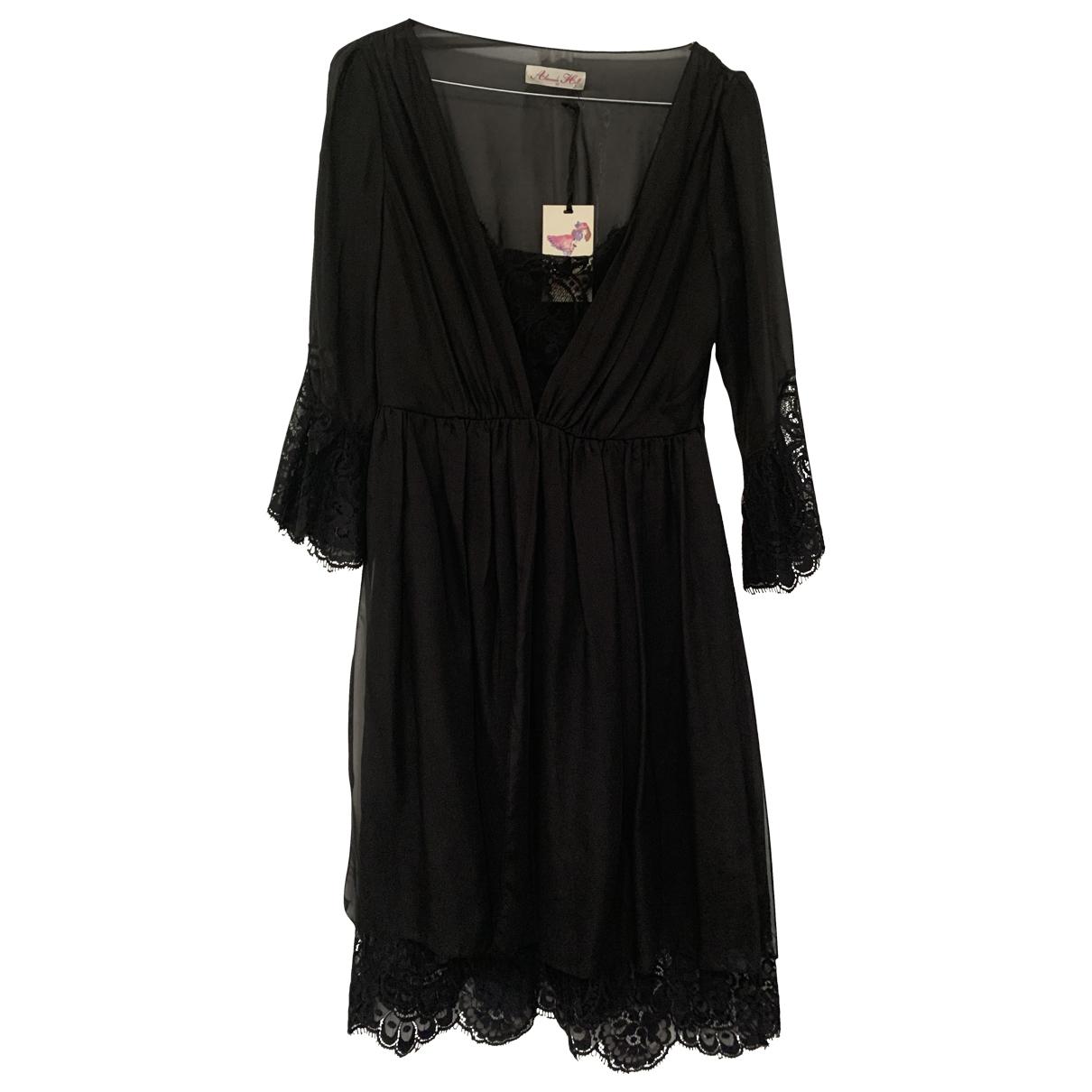 Alannah Hill \N Kleid in  Schwarz Seide