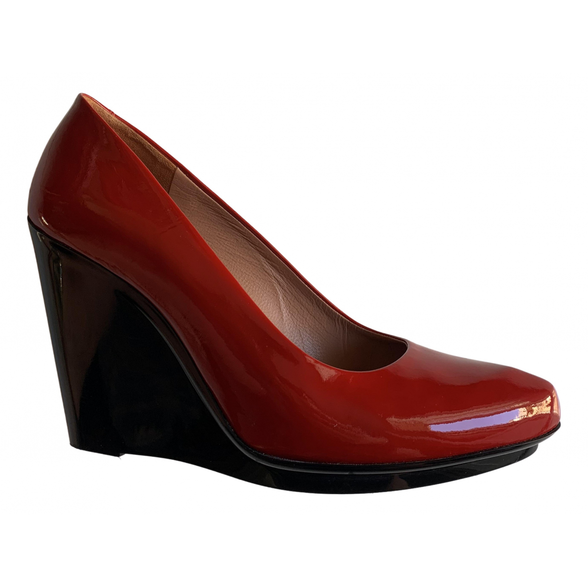 Robert Clergerie \N Pumps in  Rot Lackleder