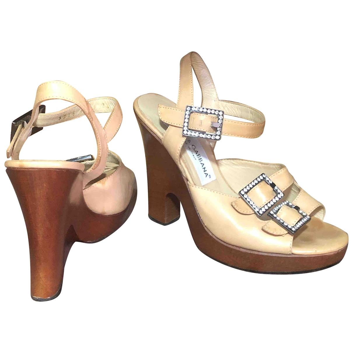 Dolce & Gabbana \N Sandalen in  Beige Leder