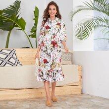 Hemdkleid mit ueberallem Blumen Muster und Raffungsaum