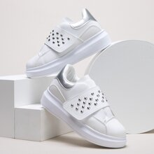 Studded Decor Velcro Strap Skate Shoes