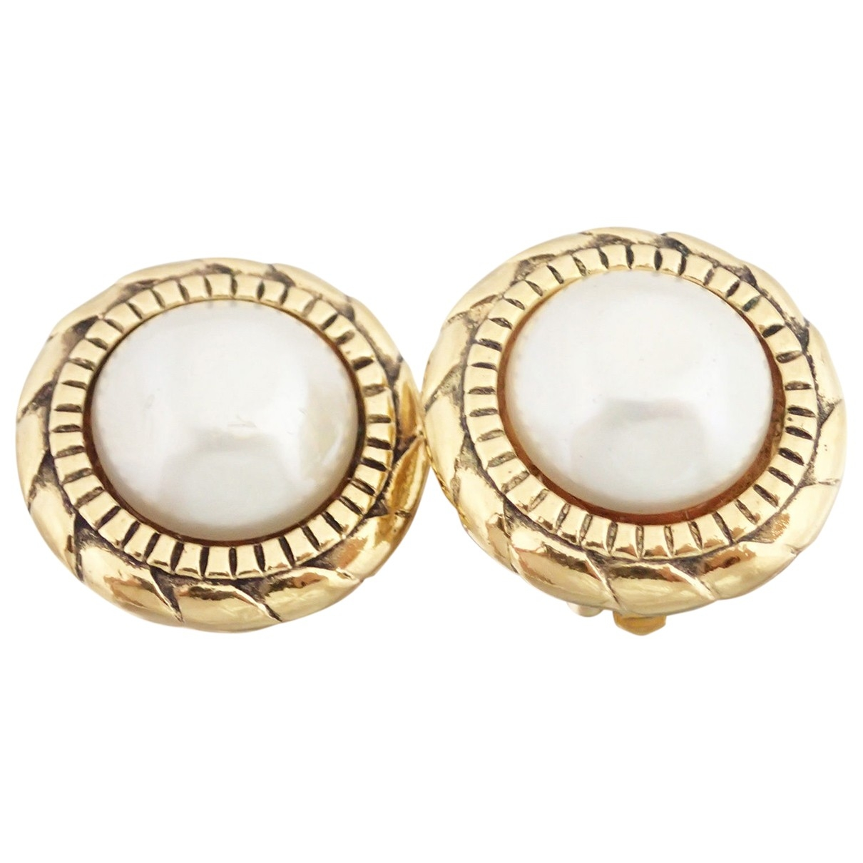 Chanel \N White Metal Earrings for Women \N